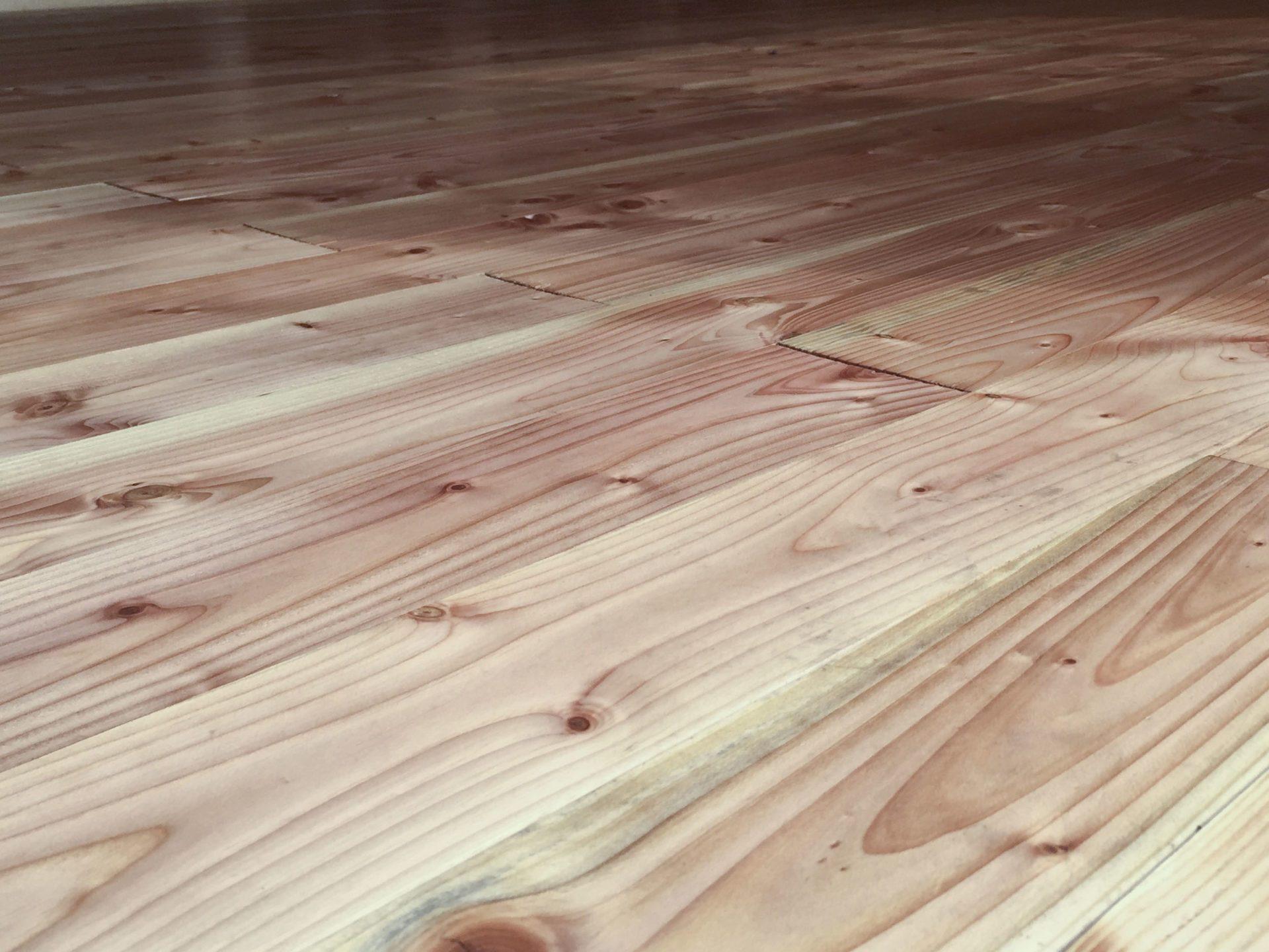 Holzfußboden Gartenhaus ~ Holzfußboden verlegen schritt für schritt erklärt plus material