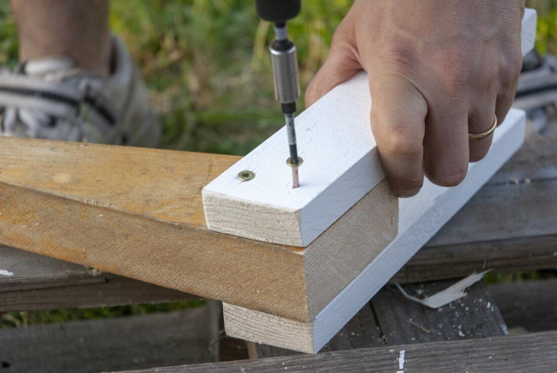 gartengerätehalter selbst bauen: anleitung in nur drei schritten